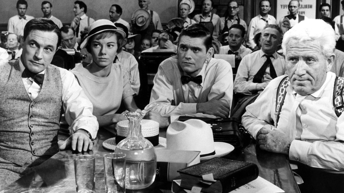 Inherit the Wind (1960), directed by Stanley Kramer, starring Spencer Tracy, Fredric March, Gene Kelly, and Dick York.